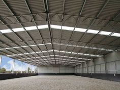 Interior of Geelong indoor riding arena  | Examples of great indoor riding arenas