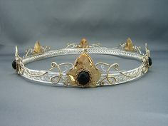 Chapter 8 p2 - coronets worn in the middle ages that signifies wealth/class