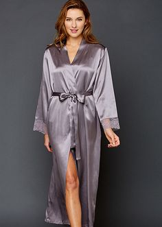 Julianna Rae offers the epitome of taste and quality in luxury sleepwear for women. Our women's silk sleepwear will make any woman feel elegant and special. Long Silk Nightgown, Silk Chemise, Silk Gown, Silk Sleepwear, Sleepwear Women, Satin Dressing Gown, Silk Slip, Luxury Dress, Pretty Lingerie
