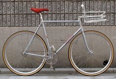 Sexiest Fixed Gear Thread (No posting your own bike!) in Vintage and Fixed Gear Bikes Fixed Gear Bikes, Fixed Bike, Road Bikes, Cycling Bikes, Road Cycling, Street Bikes, Cycling Equipment, Red Lightning, Sport Treiben