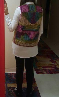 Crochet Cardigan, Crochet Top, Crochet Woman, News Design, Crochet Projects, Crochet Patterns, Embroidery, Knitting, Lady