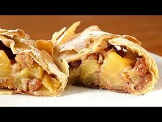 Mucho relleno y poca masa - Receta de AUTÉNTICO STRUDEL de manzana - YouTube Apple Recipes, Sweet Recipes, Snack Recipes, Dessert Recipes, Cooking Recipes, Apple Bread, Apple Pie, My Favorite Food, Favorite Recipes