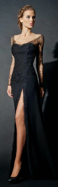 Elegance class lace detailed long dress