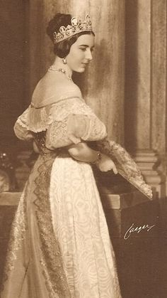 Queen Ingrid of Denmark wearing the Swedish Cameo Tiara; borrowed in 1933 from her sister-in-law, Princess Sibylla of Sweden, for a charity costume ball where she was dressed as Queen Josephine of Sweden.