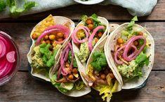 Kikerter som er steikte i omnen i staden for kjøttdeig smakar knasande godt. Fortsett å les Tortilla Chips, Tex Mex, Nachos, Guacamole, Veggies, Dinner, Ethnic Recipes, Food, Den