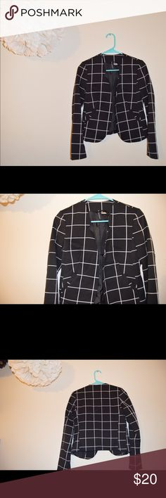 H&M Divided Blazer Never worn, Blazer. Falls to mid-waist. Perfect for casual or work. H&M Jackets & Coats Blazers