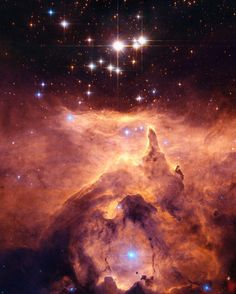 #HubbleArt!  This #stunning scene is a #star #cluster called #Pismis 24 and it lies in the core of the large emission #nebula NGC 6357 that extends one degree on the sky in the direction of the #Scorpius #constellation. Part of the nebula is ionised by the youngest (bluest) heavy #stars in Pismis 24.  The intense ultraviolet radiation from the blazing stars heats the gas surrounding the cluster and creates a bubble in NGC 6357. The presence of these surrounding gas clouds makes probing into…