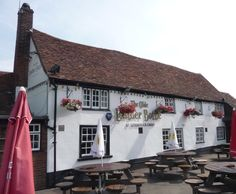 The Leather Bottle pub, Leverstock Green. Serves great meals at reasonable prices. Highly recommended!