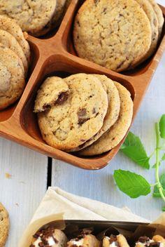 Helppo ohje vegaanisiin suklaakekseihin ja vinkki keksijäätelöihin Korn, Margarita, Cookies, Desserts, Image, Biscuits, Deserts, Margaritas, Dessert