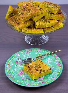 Godaste saffranskakan - ZEINAS KITCHEN Fika, Carrots, Food And Drink, Cookies, Vegetables, Healthy, Ethnic Recipes, Sweet, Christmas Cakes