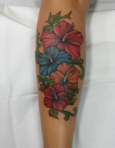 Realistic flower tattoo Flower tattoos and Tattoos and body art on . Mom Tattoos, Badass Tattoos, Cute Tattoos, Beautiful Tattoos, Body Art Tattoos, Tattos, Tropical Flower Tattoos, Lily Flower Tattoos, Tattoo Flowers