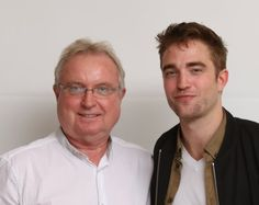 2 NEW Robert Pattinson interviews (Cosas and Express) + 2 NEW Pictures from The Rover LA Press Junket