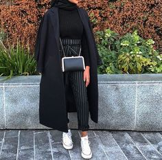 ig: eternaleuphoria_ Source by The post ig: eternaleuphoria_ appeared first on Fancy. Modest Fashion Hijab, Modern Hijab Fashion, Modesty Fashion, Hijab Fashion Inspiration, Islamic Fashion, Muslim Fashion, Edgy Outfits, Winter Fashion Outfits, Hijab Fashionista