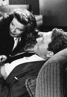 "Katharine Hepburn y Spencer Tracy en ""La Mujer del Año"" (Woman of the Year), 1942 Old Hollywood Stars, Hollywood Actor, Golden Age Of Hollywood, Classic Hollywood, Hollywood Couples, Vintage Hollywood, Hollywood Glamour, Best Tv Couples, Famous Couples"