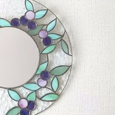 Stained Glass Mirror, Stained Glass Crafts, Glasses, Home Decor, Stained Glass Designs, Mosaics, Mirrors, Stained Glass, Mirror