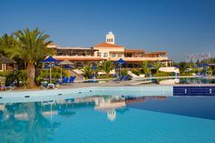 Pilot Beach Hotel in Georgioupolis awarded by Coral Travel