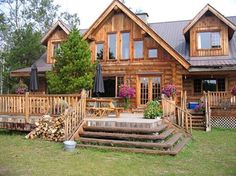 Love this house. It's part of a guest ranch (how fun! Log Cabin Living, Log Cabin Homes, Log Cabins, Porche Chalet, Future House, Cabins And Cottages, Cabins In The Woods, My Dream Home, Cabana