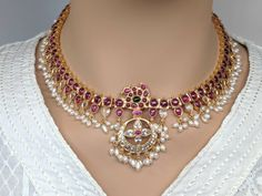 Indian Wedding Jewelry, Indian Jewelry, Indian Jewellery Design, Antique Jewellery, Gold Jewellery, Jewelery, Sterling Silver Necklaces, Silver Jewelry, Beaded Jewelry