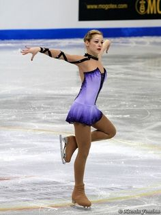 Gracie gold is amazing she's so great I love her