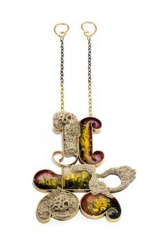 Casa Kiro Joyas es un pequeño taller de joyería contemporánea que usa materiales tradicionales chilenos ubicado en Viña del Mar, Chile