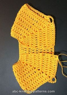 Irresistible Crochet a Doll Ideas. Radiant Crochet a Doll Ideas. Crochet Doll Dress, Crochet Doll Clothes, Crochet Doll Pattern, Doll Clothes Patterns, Diy Crochet And Knitting, Bolero Crochet, Crochet Lace, Baby Knitting, Lace Bolero