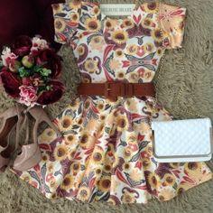 Vestido Manguinha  Analice  Neoprene C/ BOJO Decote nas costas( Estampa  Girassóis Kashimir)
