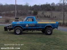 1979 Ford Pulling Truck | Movies In Theaters 79 Ford Truck, Ford 4x4, Ford Pickup Trucks, Chevy Trucks, Truck And Tractor Pull, Tractor Pulling, Logging Equipment, Heavy Equipment, Cool Trucks