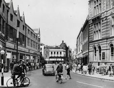Sidney Street 1964: Still open to cars – view down towards Joshua Taylor's department store