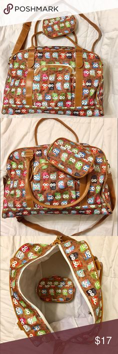 """Cute Owl Travel Bag Cute Owl overnight Travel Bag is light weight. It comes with a small makeup bag   In excellent condition!   It was only used for 1 night away from home. Travel bag is 18x17x11.5""""  Make up bag about 7"""" x 4.5"""" x 2"""" Bags Travel Bags"""