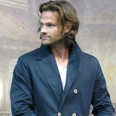 HOW IS JARED SO PRETTY I CANT • • •