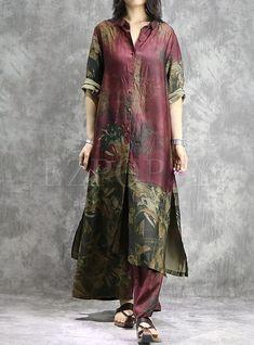 Shop Vintage Print Lapel Side-slit Single-breasted Long Top & Wide Leg Pants at EZPOPSY. Kurta Designs, Blouse Designs, Knit Sweater Dress, Shirt Dress, Sweater Dresses, Dress Pants, Modele Hijab, Silk Tunic, Stylish Dress Designs