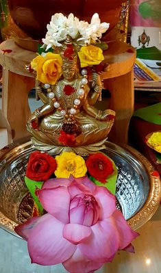 Lakshmi Photos, Lakshmi Images, Indian Goddess, Goddess Lakshmi, Lord Rama Images, Silver Pooja Items, Ganesh Wallpaper, Lord Ganesha Paintings, Hindu Rituals