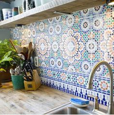 I've always wanted a big, Spanish-style kitchen, and this backsplash is perfect for it! :) If/when I get the opportunity to build my dream home, I definitely want something like room design home design house design Moroccan Tile Backsplash, Backsplash Tile, Moroccan Tiles Kitchen, Herringbone Backsplash, Tiling, Spanish Tile Kitchen, Patterned Kitchen Tiles, Moroccan Bathroom, Mediterranean Kitchen Backsplash