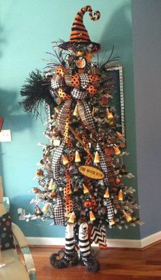 Halloween Tree by Sharpe Designs - could be cute with a scarecrow built into the tree with his arms out to the side and his head peaking around to the side near the top. by RockyR