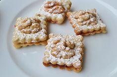 Nusskekse   GuteKueche.at Biscuit Cookies, Cake Cookies, Gingerbread Cookies, Christmas Cookies, Rice Krispie Treats, Winter Food, Cookie Bars, Love Food, Cookie Recipes
