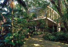 Ahh, I could live here. Lina Bo Bardi house.