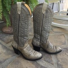 Vintage Wrangler Boots Beautiful detailed stitching on these Wranglers! They are a soft grayish color in great shape. Size 5.5 Wrangler Shoes Heeled Boots
