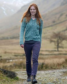 Eagle Crag pattern by Holli Yeoh knit using The Fibre Co. Lore in Heaven. Sweater Knitting Patterns, Free Knitting, The Scorpio Races, Cable Cardigan, Dk Weight Yarn, Knit Crochet, Eagle, Sweaters For Women, Street Style