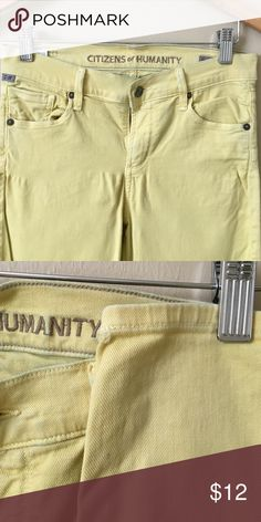 Citizens of Humanity pants Yellow. Slight blue tint at top as shown in photos. Small hold on bottom of left ankle as shown in photo. Citizens of Humanity Pants Ankle & Cropped