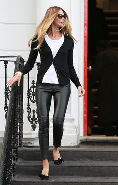 I am SO SO in love with this outfit, I love the pants!!