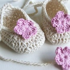 Fuente: http://folksy.com/items/502157-Baby-Bootees-MADE-TO-ORDER?shop=yes/
