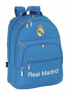 Esta colección de papelería escolar del Real Madrid está basada en la segunda equipación oficial del club blanco para la temporada 2013/2014. El color de fondo de esta nueva línea de material para el cole es el azul. También se utiliza el naranja en los pequeños detalles de la colección, creando un agradable contraste a la vista. Dimensiones: 32 cm x 42 cm x 16 cm.