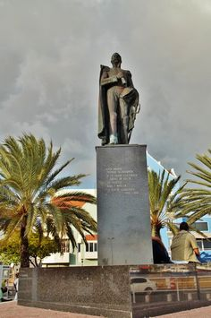 Statue of freedom fighter Pedro Luis Brión (July 6, 1782, Curaçao—September 27, 1821, Curaçao) was a military officer who fought in the Venezuelan War of Independence. On his return to Curaçao he took an active part in the revolutionary movement on the island, in September 1800. He rose to the rank of admiral in the navies of Venezuela and the old Republic of Colombia.