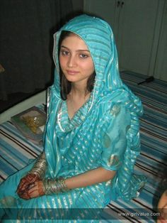 http://www.girlvalue.com/photo/pakistani-girl-in-ferozi-shalwar-kameez-423  Pakistani Girl in ferozi Shalwar kameez