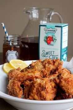 Nothing more Southern than sweet tea, fried chicken, and bourbon. So how about it all in one recipe? Featuring @sbreezetea