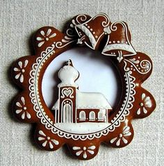 Today we are looking at Moravian and Bohemian gingerbread designs from the Czech Republic. Back home, gingerbread is eaten year round and beautifully decorated cookies are given on all occasions. Christmas Gingerbread House, Gingerbread Man, Christmas Treats, Gingerbread Cookies, Rustic Christmas, Holiday Cakes, Holiday Desserts, Bolacha Cookies, Winter Treats