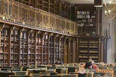 Biblioteca de la facultad de Geografia e Historia de princpios del S.XX. Santiago de Compostela.