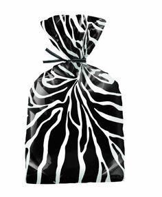 Wilton Zebra Treat Bags, 20 Count Wilton http://smile.amazon.com/dp/B007ISQ768/ref=cm_sw_r_pi_dp_DIN4ub19Z65C6