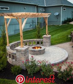 Block Fire Pit Design Ideas and Tips How to Build It Fire pit with built-in seating, covered by a pergola.Fire pit with built-in seating, covered by a pergola. Fire Pit Seating, Diy Fire Pit, Fire Pit Backyard, Fire Pit Pergola, Fire Pit With Pavers, Build A Fire Pit, Fire Pit Off Patio, Concrete Fire Pits, Seating Areas