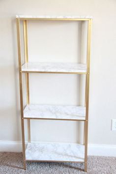 Ikea Hyllis Shelf Unit into marble and gold shelves. i would do black and stained wood, but same principal. Diy Hanging Shelves, Floating Shelves Diy, Gold Shelves, Gold Bookshelf, House Shelves, White Shelves, Diy Home Decor Projects, Decor Ideas, Wood Projects
